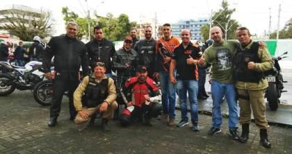 Participantes do passeio com os batedores da Guarda Civil Municipal