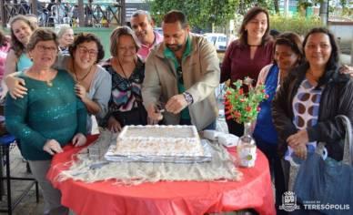 Bolo e parabéns fazem parte da programação de aniversário do Espaço Mulher