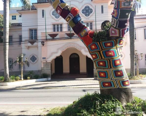 Projeto Crochê Terê tem apoio da Prefeitura e marca o 127º aniversário da cidade