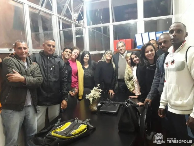 Trabalhadores do Vaga Certa são recebidos por Marcos Jaron, secretário de Desenvolvimento Social e Trabalho, e equipe