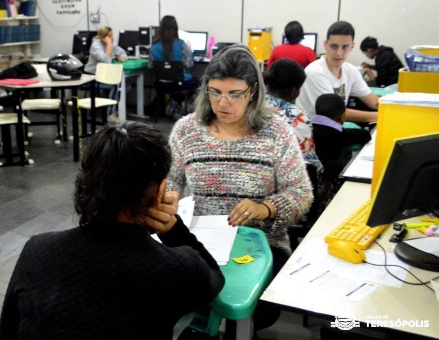 EDUCAÇÃO FAZ 500 ATENDIMENTOS NA PRIMEIRA SEMANA DA PRÉ-MATRÍCULA