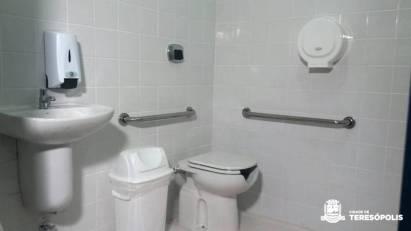 Escolas contam com banheiros adaptados