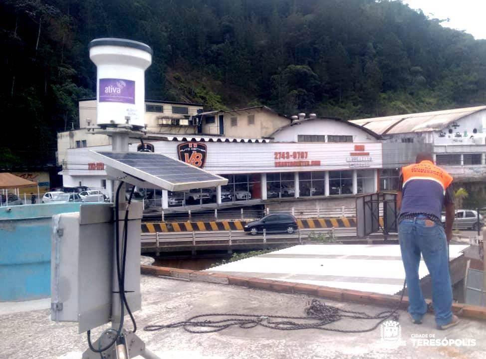 DEFESA CIVIL INSTALA PLUVIÔMETRO NO CORTE DA BARRA