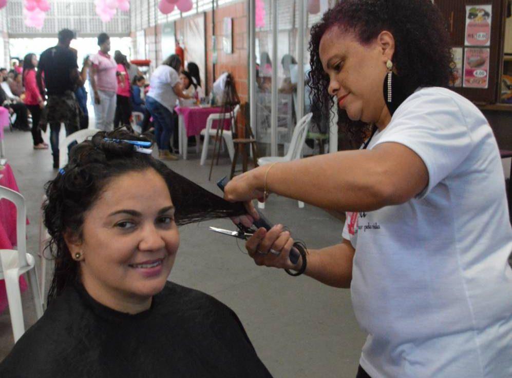 Ações do Outubro Rosa acontecem no Shopping Popular