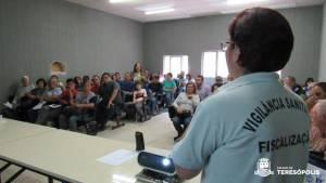 VIGILÂNCIA SANITÁRIA MUNICIPAL PROMOVE CAPACITAÇÃO DOS EXPOSITORES DA FEIRINHA DO ALTO