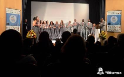 No Teatro Municipal, o Coral MP em Canto, de Fortaleza