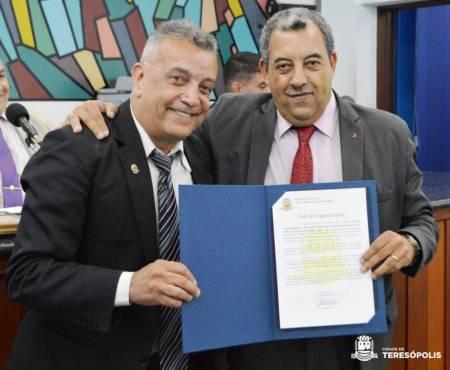 Secretário de Desenvolvimento Social, Marcos Jaron, mais um homenageado pela Câmara
