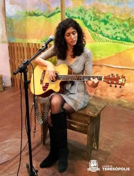 Thais Sebastiana em sua apresentação