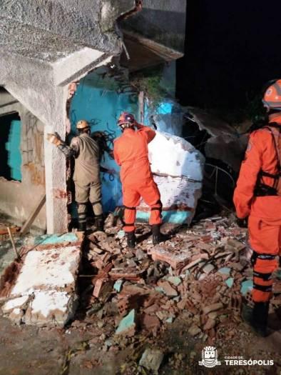 Treino de resgate em escombro