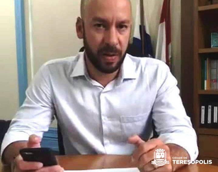 Prefeito Vinicius Claussen fala ao vivo na internet e presta contas da gestão, destacando desafios e definindo metas para 2019