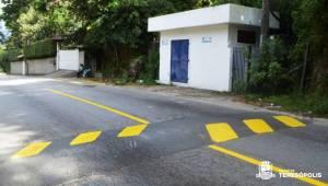 Sinalização de trânsito na Tenente Luiz Meirelles é revitalizada em ação noturna