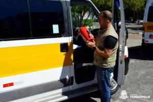Segurança Municipal vistoria vans escolares