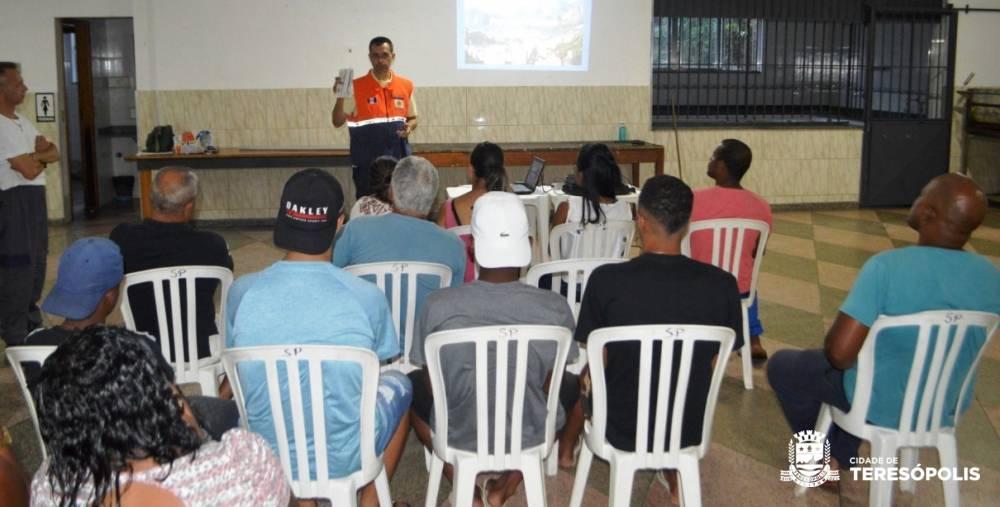Defesa Civil conclui mais um curso de reciclagem de voluntários para reativação dos NUDECs