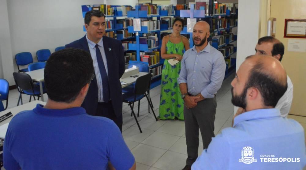 Campus da UERJ e cursos profissionalizantes são temas na visita do Secretário de Estado de Ciência, Tecnologia e Inovação a Teresópolis