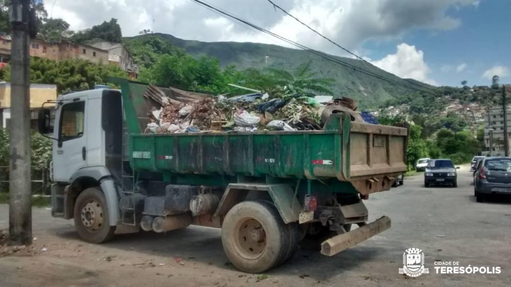Prefeitura realiza limpeza no Alto, Beira Linha, Centro, Fazendinha, Jardim Europa, Quebra Frascos e São Pedro