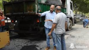 Usina volta a produzir asfalto e Prefeitura inicia operação tapa-buracos pelo bairro de Araras