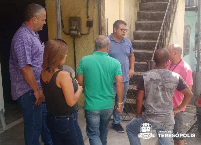 """Equipe da """"Ouvidoria nos Bairros"""" vai ao Perpétuo registrar os pedidos da Associação de Moradores"""