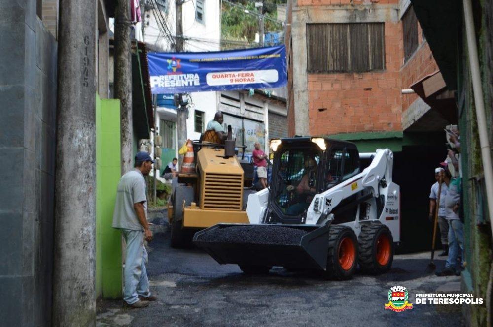 'Operação Prefeitura Presente': Tapa-buracos e manutenção de iluminação pública são feitos no Rosário