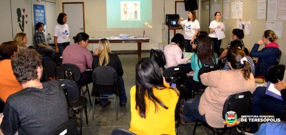 Professores da Rede Municipal de Ensino participam da formação do Pacto Nacional pela Alfabetização na Idade Certa