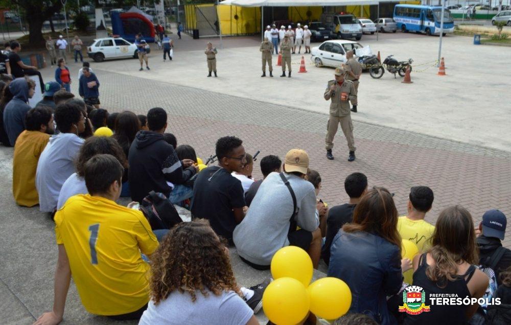 Simulação de acidente e socorro a vítima, passeio de bicicleta e de trenzinho encerram a campanha 'Maio Amarelo' em Teresópolis