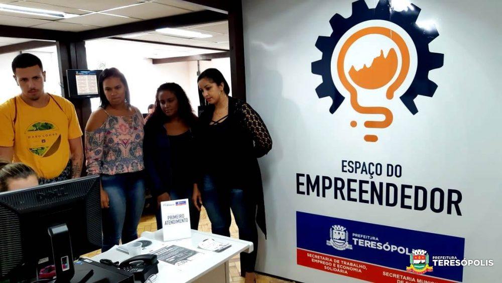 Delegacia da Junta Comercial e Espaço do Empreendedor de Teresópolis são referência para município vizinho