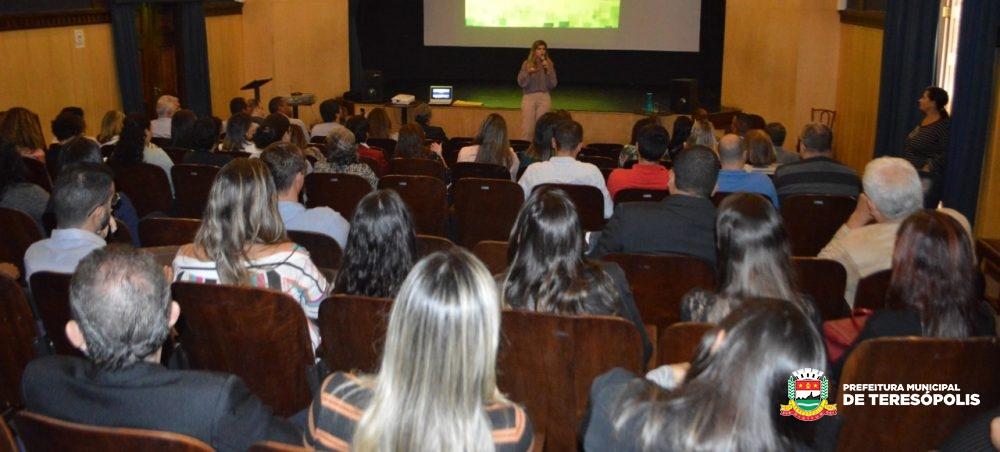 Servidores de 10 municípios participam de apresentação sobre Escola de Contas e Gestão do TCE-RJ em Teresópolis
