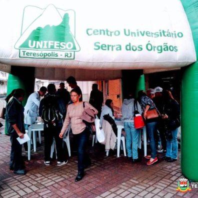 Público confere o estande do Unifeso, na Calçada da Fama
