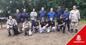 Equipe da Companhia de Operações com Cães da Guarda Municipal participa de treinamento em Petrópolis