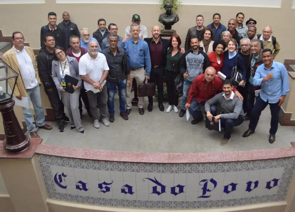 Prefeito Vinicius Claussen estreita relacionamento com líderes comunitários