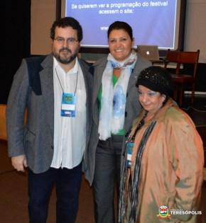 Cléo Jordão, sec. Cultura, com José Cláudio Silva e Eliane Maciel, diretores do Festival Internacional de Filmes