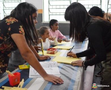 Para as crianças, atividades educativas