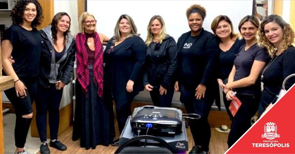 'S.O.S. Tá na Mão': Projeto pioneiro capacita profissionais de salões de beleza sobre direitos da mulher vítima de violência