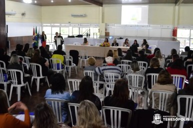 Seminário de alfabetização encerra formação os educadores da rede municipal de ensino