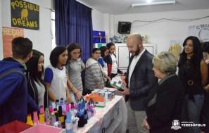 Feira de empreendedorismo reúne mais de 600 alunos da Escola Municipal Manoel Medeiros