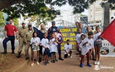 Equipes da Guarda Municipal e da Ronda Escolar na abertura da colônia de férias