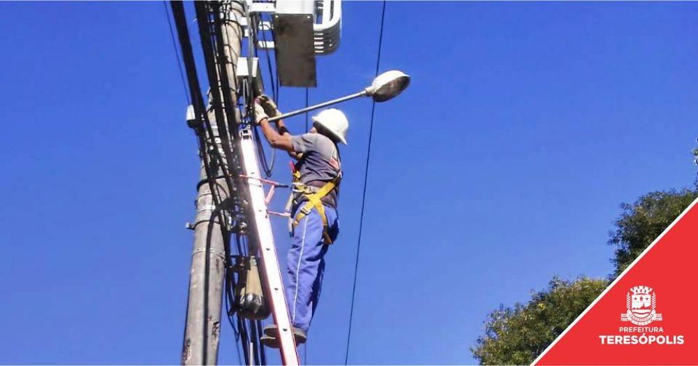 Prefeitura instala 218 braços de luz e amplia a iluminação pública na cidade e no interior