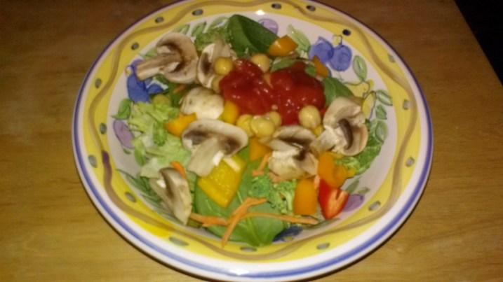 salad bar at home