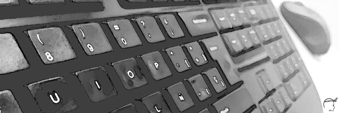 Teclado y mouse en perspectiva