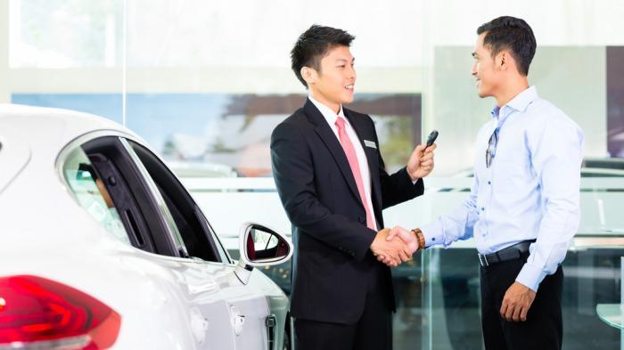 beli mobil bekas atau baru