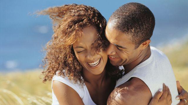 Ini 5 Tanda Buktikan Cinta Pria Terhadap Kekasihnya