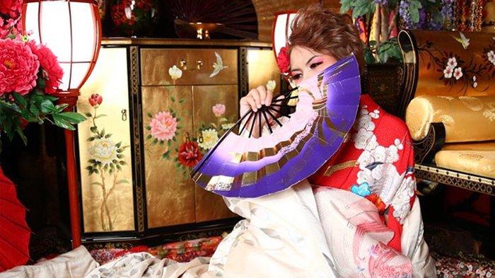 Penampilan Evelyn Nada Anjani Berubah Bak Boneka Jepang
