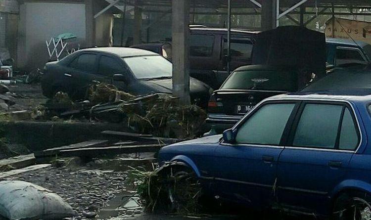 Akibat Banjir Di Garut Rumah Kampus Dan Pesantren Mengalami Kerusakan
