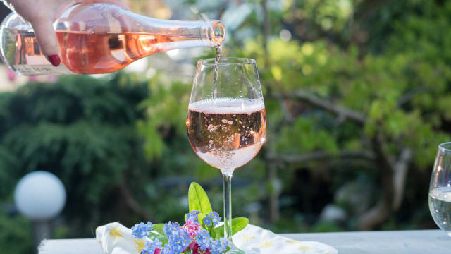 Invosi Wine Yang Terbuat Dari Fermentasi Tomat, Penasaran?