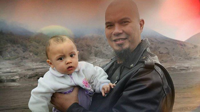 Ahmad Dhani Beri Uang Segepok untuk Meredakan Tangis Sang Anak
