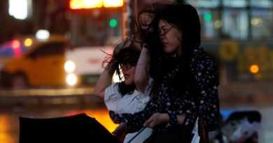 Akibat Badai di Taiwan Bangunan Hancur dan Ratusan Orang Terluka