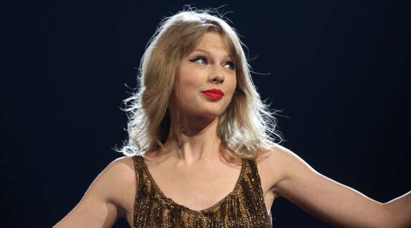 Fans Heboh, Taylor Swift Unggah Video Buntut Reptil