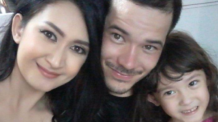 Nafa Urbach Gugat Cerai, Zack Lee Curhat Sedih di Instagram