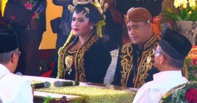 Detik Detik kahiyang Ayu dan Bobby Nasution Akad