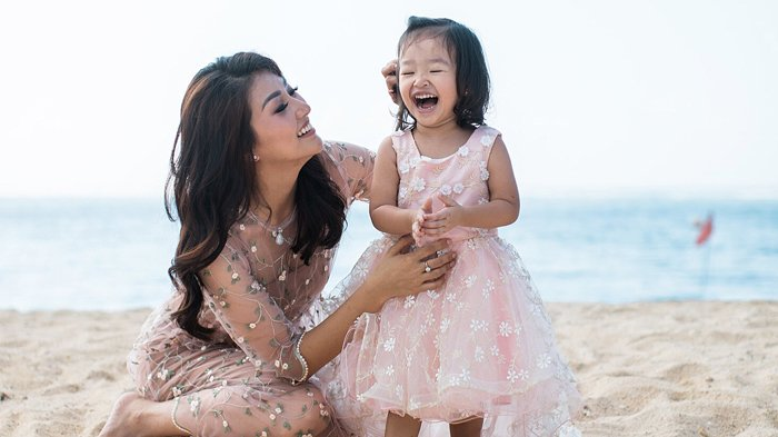 Video Lucunya Thalia Bikin Gemes Pakai Heels Sarwendah