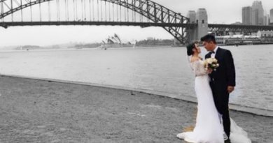 Ekspresi Foto Pernikahan Ayu dan Boy William di Sydney